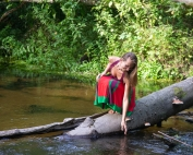 magda bębenek wracamy do natury aktywizm puszcza nad rzeką lato leśna rusałka