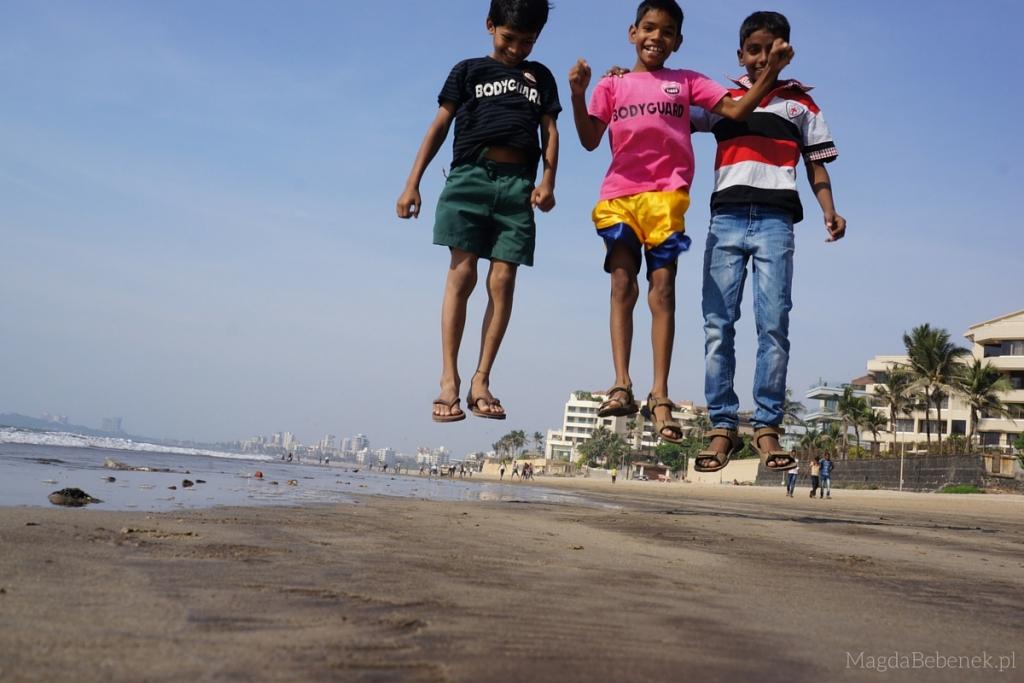 www.magdabebenek.pl indie bombaj juhu beach skaczacy chlopcy